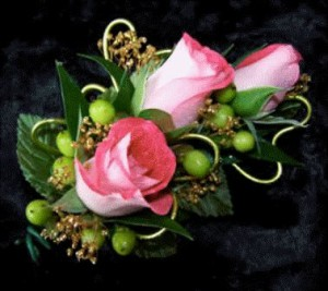 corsage_triple_bloom