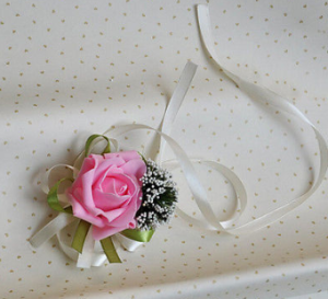 Single bloom rose corsage